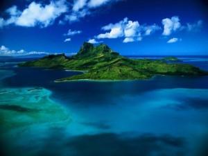 Desktop Wallpaper: Green Island
