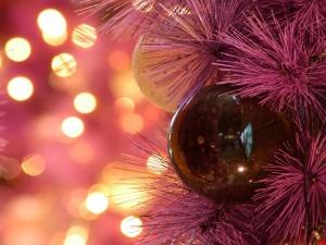 Desktop Wallpaper: Christmas Ball