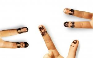 Desktop Wallpaper: Fingers