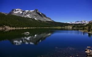 Desktop Wallpaper: Mountains Reflected ...