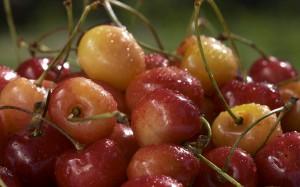 Desktop Wallpaper: Sweet Cherries