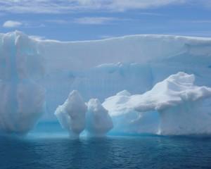 Desktop Wallpaper: Iceberg