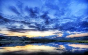 Desktop Wallpaper: Clouded Sky