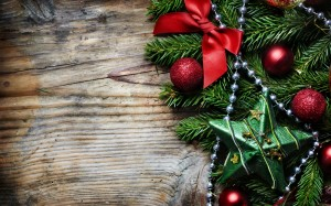Desktop Wallpaper: Red Round Christmas ...