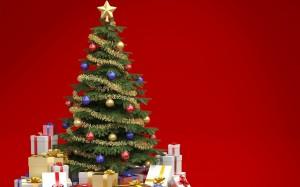 Green Christmas Tree With Presents - скачать обои на рабочий стол