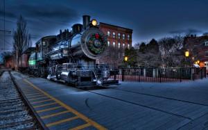 Desktop Wallpaper: Black Steam Train