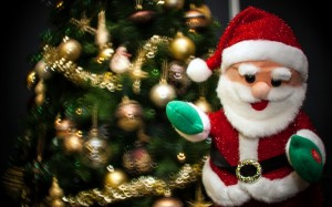 Desktop Wallpaper: Santa Claus Plush To...