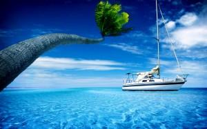 Desktop Wallpaper: White Yacht