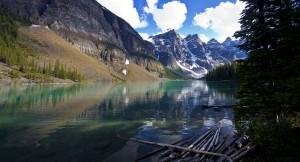Desktop Wallpaper: Moraine Lake