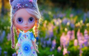Desktop Wallpaper: Elsa Frozen Doll In ...