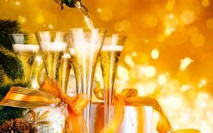 Desktop Wallpaper: Clear Champagne Clip...