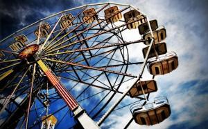 Desktop Wallpaper: Amusement Ride