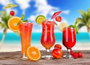 Desktop Wallpaper: Clear Cocktail Glass