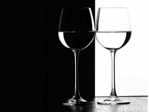 Desktop Wallpaper: Clear Wine Glass
