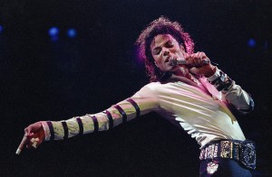 Desktop Wallpaper: Michael Jackson Hold...
