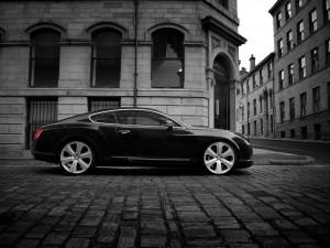 Desktop Wallpaper: Black Bentley Contin...
