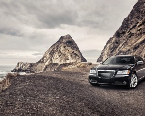 Desktop Wallpaper: Black Chrysler 200 P...