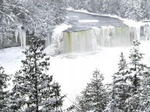 Desktop Wallpaper: Frozen Waterfall