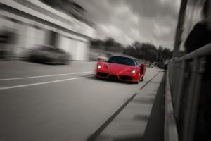 Desktop Wallpaper: Ferrari Enzo Travell...