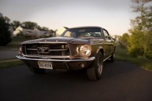 Desktop Wallpaper: Grey Classic Ford Mu...