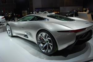 Desktop Wallpaper: Gray Jaguar F-Type