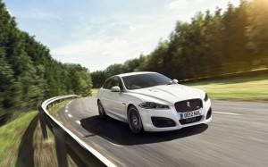 Desktop Wallpaper: White Jaguar Sedan O...