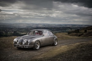 Desktop Wallpaper: Gray Jaguar Classic ...