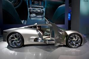Desktop Wallpaper: Silver Sports Car Wi...