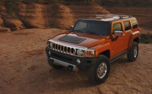 Desktop Wallpaper: Range Hummer Parked