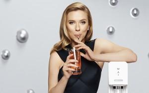 Desktop Wallpaper: Scarlett Johansson D...
