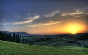 Desktop Wallpaper: Sunrise At The Hill ...