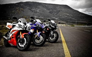 Desktop Wallpaper: 3 Superbikes Parked ...