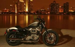 Desktop Wallpaper: Black Grey Motorcycl...