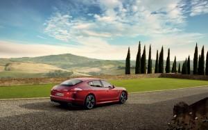 Desktop Wallpaper: Red Porsche Panamera...
