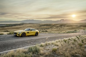 Desktop Wallpaper: Yellow Sports Car On...