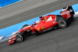 Desktop Wallpaper: Red F1 On Road