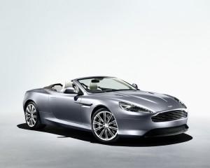Desktop Wallpaper: Silver Aston Martin ...