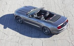 Desktop Wallpaper: Grey Ford Mustang GT...