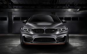 Desktop Wallpaper: Silver BMW Sports Ca...