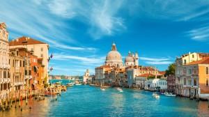 Desktop Wallpaper: Blue Sky Over City I...