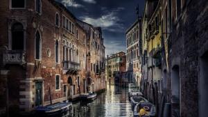 Desktop Wallpaper: Canals Of Venice Ita...