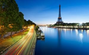 Desktop Wallpaper: Eiffel Tower Of Pari...