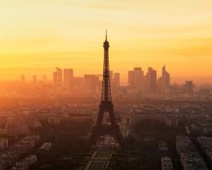 Desktop Wallpaper: Eiffel Tower In Pari...