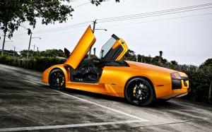 Desktop Wallpaper: Orange Lamborghini A...