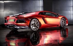 Desktop Wallpaper: Red Sports Car