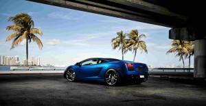 Desktop Wallpaper: Blue Sports Car On R...