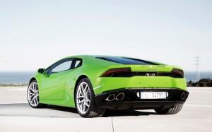 Desktop Wallpaper: Green Lamborghini Hu...