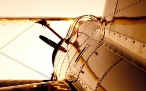 Desktop Wallpaper: View Of Gray Air Pla...