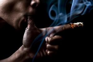 Desktop Wallpaper: Man Smoking Using Th...