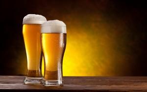 Desktop Wallpaper: Clear Drinking Glass
